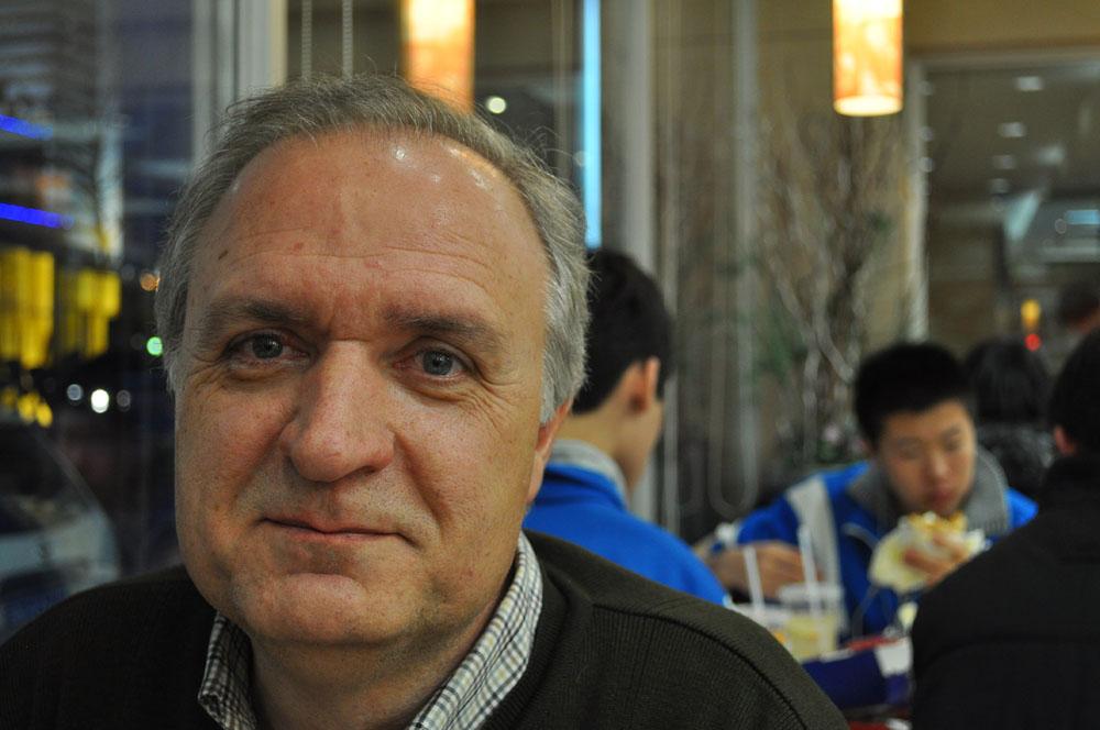 Xulio Ríos se ha pasado las últimas dos semanas en Pekín siguiendo de cerca los debates de la Asamblea Popular y la Conferencia Consultativa. Según él, el mensaje que ha salido de la reunión política más importante del año está claro: China quiere crecer mejor, acabar con las desigualdades y mejorar de una vez la calidad de vida de los ciudadanos.
