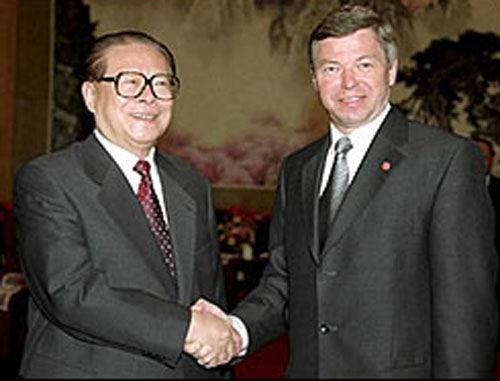 Kjell Magne Bondevik se reúne el 22 de enero de 2002 con el entonces Presidente de China, Jiang Zemin.