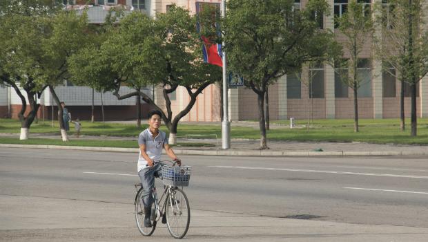 Aunque ha habido pocos cambios en el terreno político, Kim Jong-un ha mejorado la situación económica y ha potenciado una sociedad más moderna.