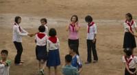 La rutina de los norcoreanos está marcada por los cupones de comida, el comercio informal y las dificultades para conseguir agua caliente y electrici